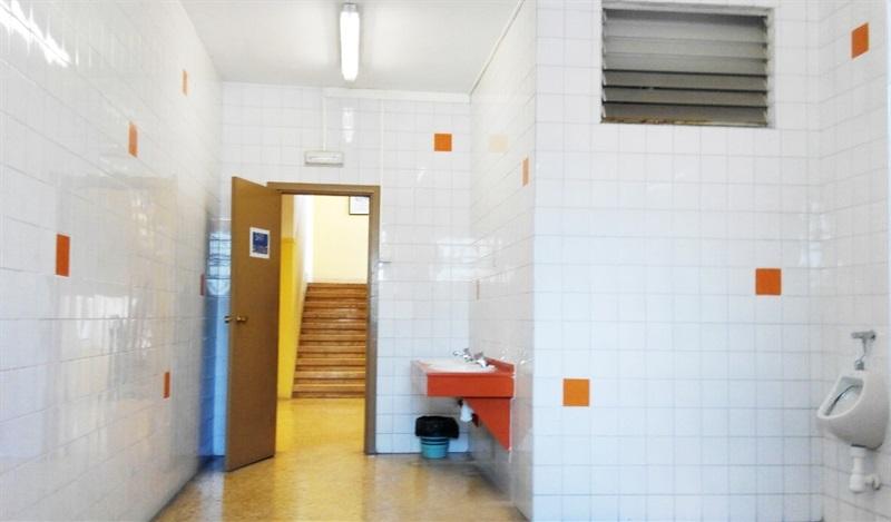 Renovaci lavabos col legi p blic ausi s march seguiment for Renovacio oficina de treball